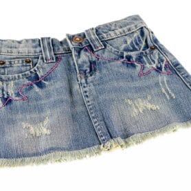 Kort jeans nederdel pige